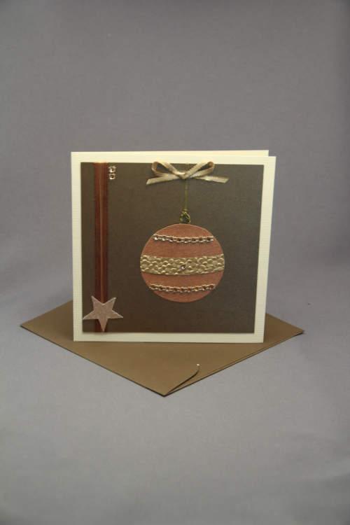 Weihnachtskarte mit Kugel