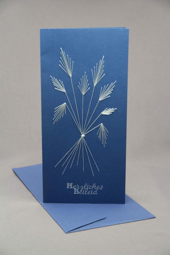 Trauerkarte gestickt hochformat blau