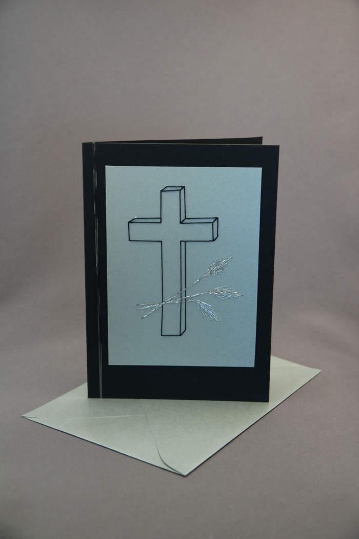 Trauerkarte gestickt mit Kreuz