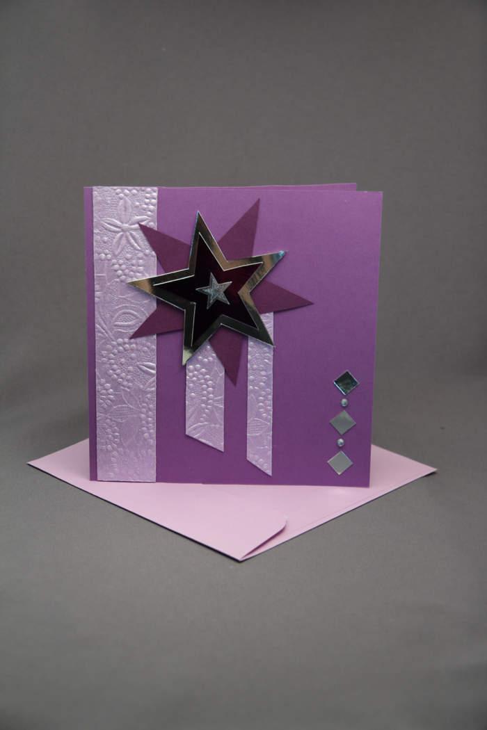 Weihnachtskarte lila mit Doppelstern